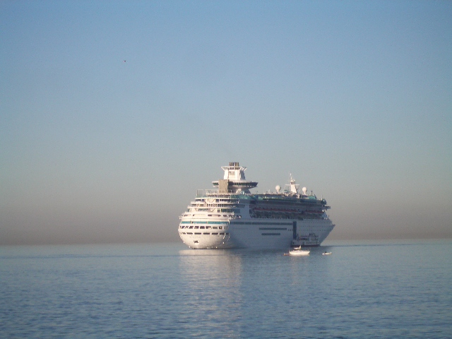 Kreuzfahrtschiff, Crew, Gitalian World